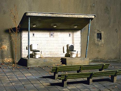 ridiculous bathroom 14